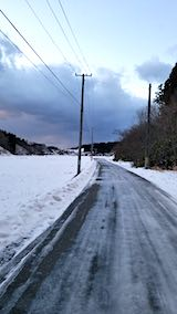 20190109山からの帰り道の様子ツルツル道路
