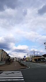 20190316速歩へ向かう途中で望んだ東の空と歩道