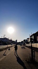 20190318速歩へ向かう途中に望んだ西の空と歩道