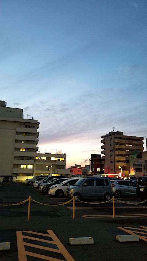 20200123外の様子病院駐車場から眺めた西の空