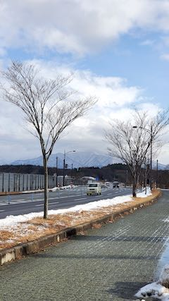 20200219外の様子昼前太平山1