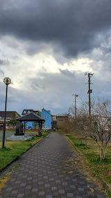 20200318速歩途中の公園内と東の空