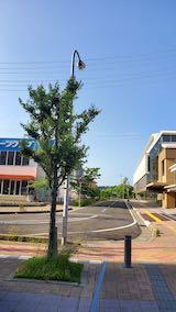 20200604速歩途中のJR秋田駅東口へと向かう通路と南の空