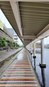 20200705速歩途中JR秋田駅東口へ向かう通路から望んだ南の空