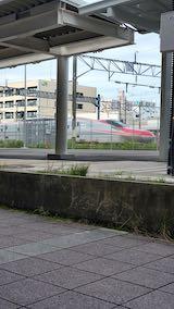 20200706速歩途中のJR秋田駅東口へ向かう通路から望んだこまち号