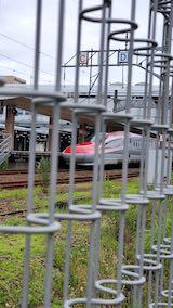 20200723速歩途中の広場から望んだJR秋田新幹線こまち号