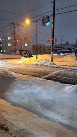 20210112外の様子夜のはじめ頃雪が降り出す