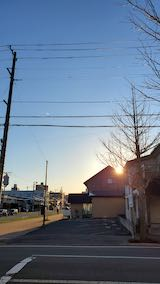 20210405外の様子昼過ぎ歩道と東大通り2