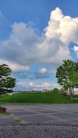 20210829速歩へ向かった公園内と南西の空